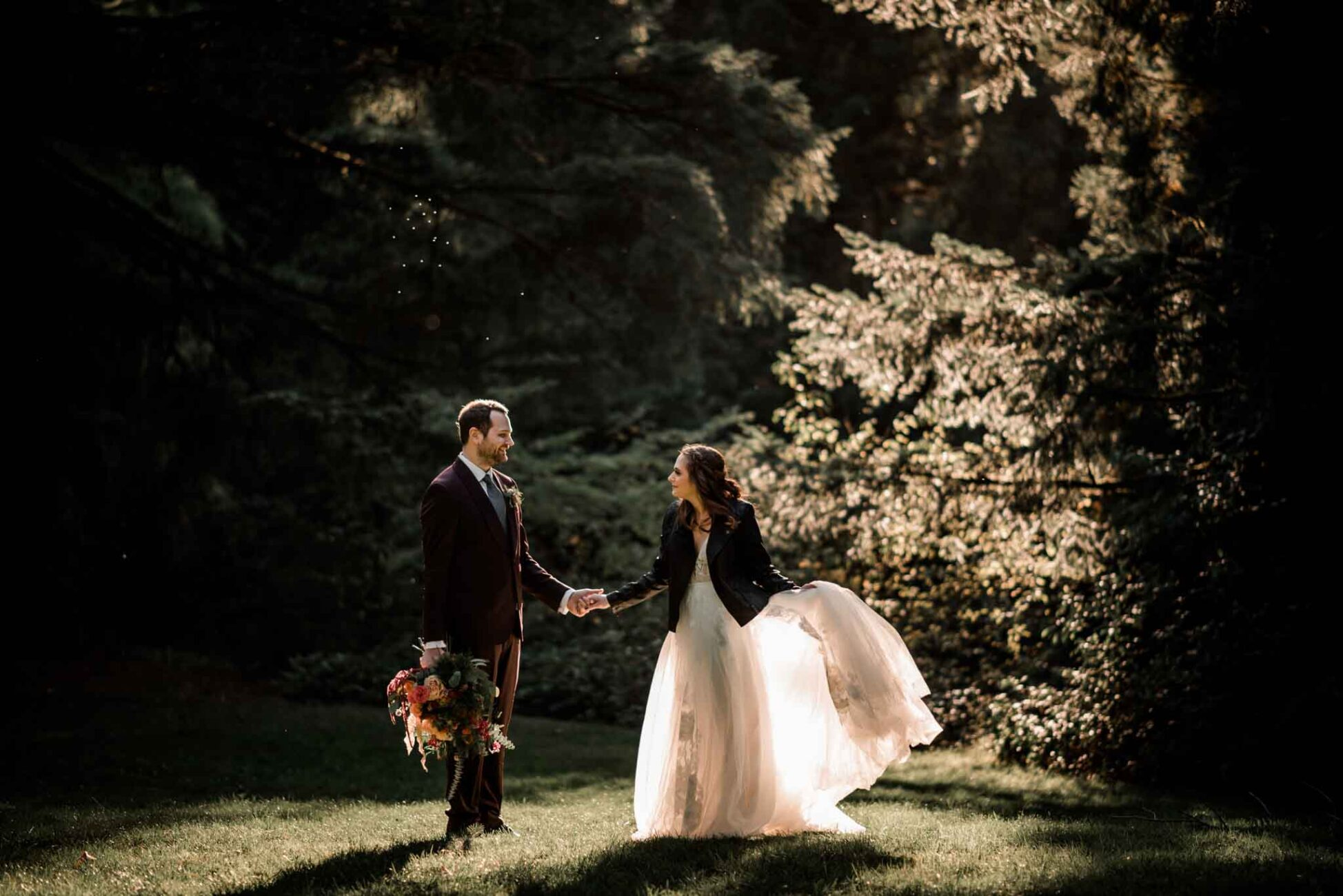 Dreamy sunlight at this intimate elopement at the Redwood Deck Hoyt Arboretum, Oregon.