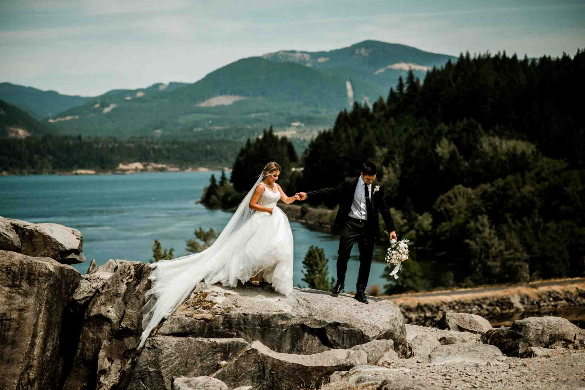 Incredible gorge river views with beautiful couple at Black Pearl on the Columbia Wedding day